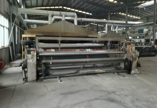 土工塑料格栅生产设备.jpg